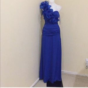 NWT blue ruffle & rouched gown size S